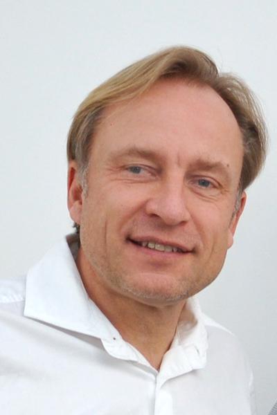 Burg, Dr. Dr. Peter